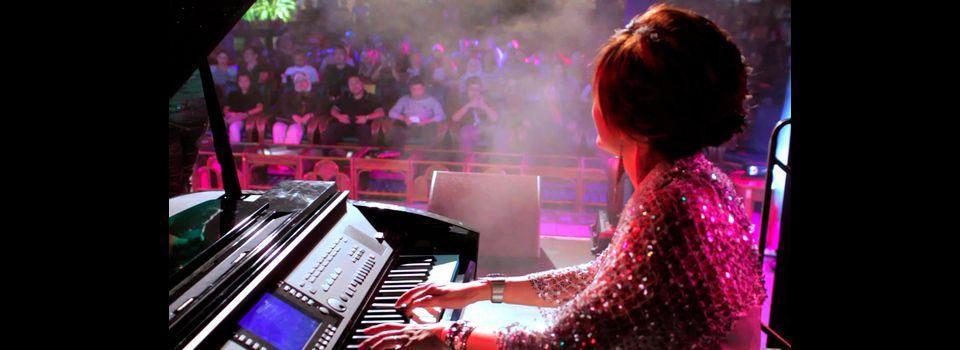 lily-piano